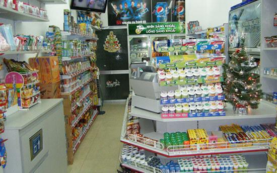 Cửa hàng tiện lợi hơn nhờ giá kệ đa năng