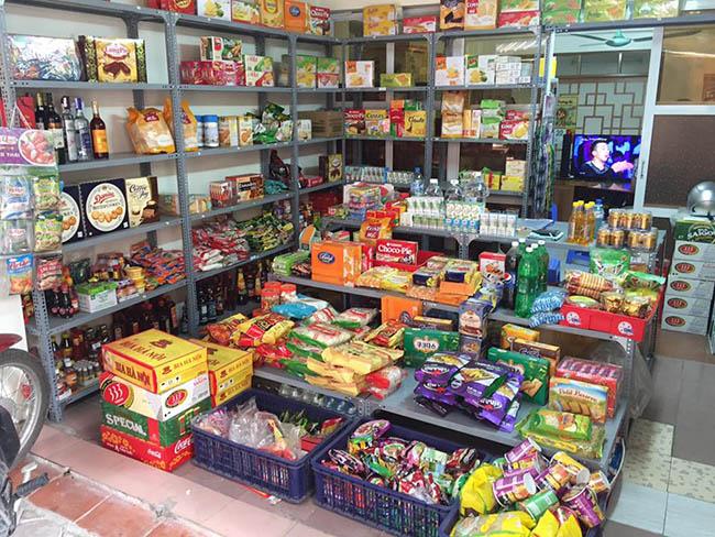 Tại sao nên dùng kệ đa năng cho cửa hàng tạp hóa?