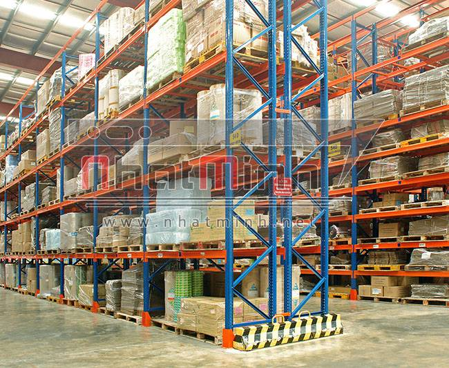 Kệ trung tải công nghiệp